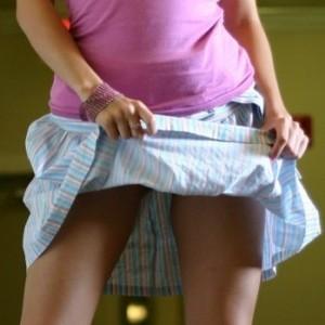 Jana teases in her new skirt