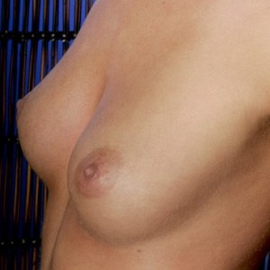 Teen shows off her perfectly shaped nipples